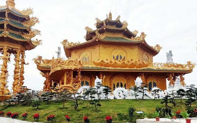Chùa Phúc Lâm: Ngôi chùa dát vàng khiến bao du khách phải điêu đứng